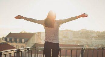 Berdiri Bakar Lebih Banyak Kalori Daripada Duduk atau Berbaring